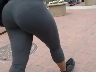 FAT JIGGLY ASS IN..